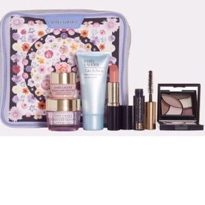 Estee Lauder Makeup Set with Cosmetic Bag, NWT